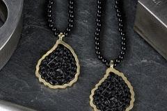 goldschmiede-unikat-edelstein-onyx-schwarz-gold-585-14k-kette-collier-lang-anhaenger